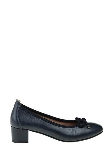 Divarese Kısa Kalın Topuklu Deri Ayakkabı Lacivert